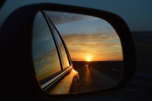 rear-view-mirror-835085__340